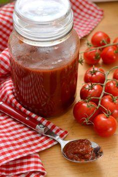 Paradicsomlekvár - Kifőztük Salsa, Jar, Vegetables, Food, Vegetable Recipes, Eten, Jars, Veggie Food, Meals