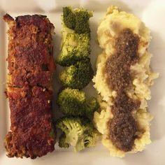 Lentil Walnut Loaf w Cauliflower Mashed Potatoes & Mushroom Gravy  #OhSheGlows #Vegan #Vegetarian #DairyFree #Lentil #Walnut #MashedPotatoes #Mushrooms #Blog #Blogger #BlogPost #Recipe #Homemade #Cook #PrivateChef #VeganChef #VeganRecipe #Dinner #VeganDinner #BellinisToBlooms #VegaTable #VegaTableRI