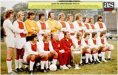 Ajax Amsterdam team group in Best Football Players, Football Kits, Amsterdam, International Football, Team Photos, Great Team, Fc Barcelona, Champions League, Real Madrid