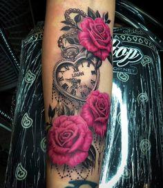 Roses and vintage watch tattoo – Rose Tattoos Mommy Tattoos, Dope Tattoos, Girly Tattoos, Hand Tattoos, Pretty Tattoos, Beautiful Tattoos, Body Art Tattoos, Tatoos, Mama Tattoo