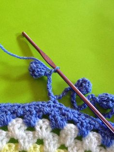 #Crochet_Tutorial -  Bobble Edge - An easy and pretty edging.