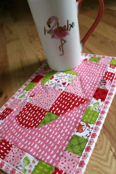 Patchwork Heart Mug Rug Amy Warner 1 Crafts For Girls, Arts And Crafts, Mug Rug Tutorial, Mini Quilt Patterns, Applique Stitches, Patchwork Heart, Mini Quilts, Mug Rugs, Quilt Tutorials