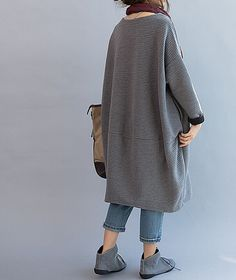 "【Fabric】 Cotton 【Color】 gray , black 【Size】 Without limiting the Shoulder Bust 134cm / 52 "" Sleeve 44cm / 17 ""   Waist 142cm / 55 ""   Length 93cm / 36 ""   Have any question..."