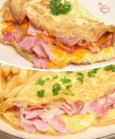 como hacer un omelette de huevo queso y jamon Yogurt Breakfast, Low Carb Breakfast, Breakfast Recipes, Chorizo, Food Porn, Bacon Potato, Deli Food, Garlic Recipes, Cooking Recipes