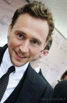 The incomparable Tom Hiddleston pic.twitter.com/vSBNL1SL8H  Tom Hiddleston Page via Astratea