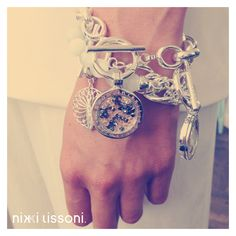 LOVE the new Nikki Lissoni autumn/winter 2014 collection. Highlights for this season are: bangles with charms, rings with interchangeable coins and coins with inspirational quotes and sparkling designs. Fall Collections, Bangles, Bracelets, Jewelry Box, Jewellery, Sparkle, Bling, Pendants, Design Room