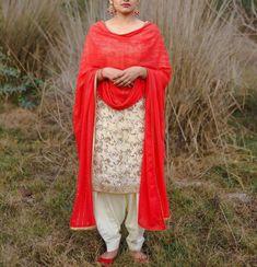 Designer Punjabi Suits Patiala, Trendy Suits, Boutique Suits, Punjabi Fashion, Beautiful Love Quotes, Indian Designer Wear, Health Remedies, Indian Wear, Machine Embroidery Designs