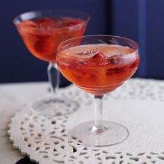 Pink gin fizz – made with fresh strawberries. For the full recipe click the picture or visit redonline.co.uk