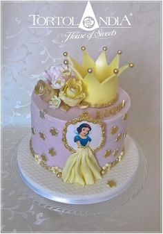 Simple birthday cake for little princes Lucka with her favourite disney princes Snow White . Disney Princess Birthday Cakes, Baby Girl Birthday Cake, Baby Birthday Cakes, Princess Theme Cake, Castle Birthday Cakes, Cinderella Princess, Snow White Cake, Disney Cakes, Girl Cakes
