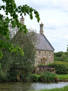 stone cottage, lyveden, england                                                                                                                                                                                 More