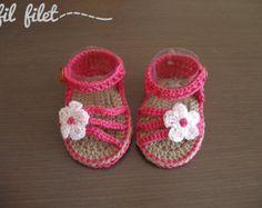 Artículos similares a Baby sandals / Baby Shoes / Sandalias bebé en Etsy