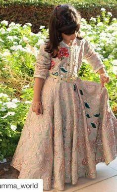Caftan Morrocan Fashion, Morrocan Dress, Moroccan Caftan, Kids Kaftan, Little Girl Dresses, Girls Dresses, Caftan Gallery, Kaftan Designs, Oriental Dress