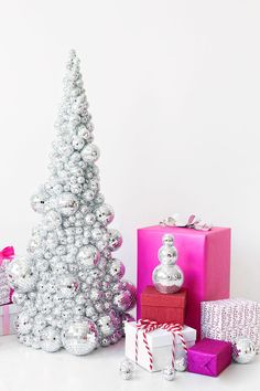 Can't wait to try out this disco ball Christmas tree! Alternative Christmas Tree, Diy Christmas Tree, Simple Christmas, White Christmas, Christmas Holidays, Christmas Decorations, Modern Christmas, Holiday Crafts, Holiday Decor