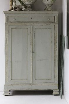 Color to paint cabinet. The New Victorian Ruralist Old Furniture, Hand Painted Furniture, Paint Furniture, Vintage Furniture, Armoire Antique, Antique Cupboard, Painted Cupboards, Muebles Living, Furniture Inspiration