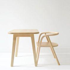 The Bench Desk and the Rattan Chair, both from @mumanddadfactory | desk DKK 1499, chair DKK 799. Shop link in bio. #studiominishop #mumanddadfactory #benchdesk #rattanchair #kidsfurniture #kidsroom #kidsroomdecor #kidsinterior #børnemøbler #børnebord #børnestol #børneværelse #børneinteriør #børneværelseinspiration