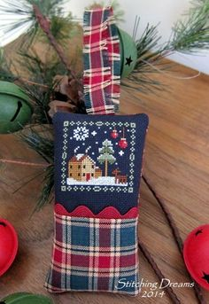 Stitching Dreams: Christmas gifts and finishing tips