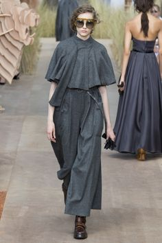 Christian Dior Fall 2017 Couture Fashion Show Collection