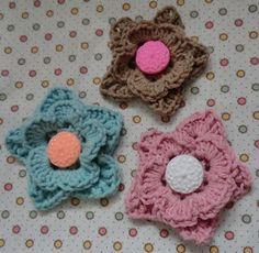 vintage button flower motif