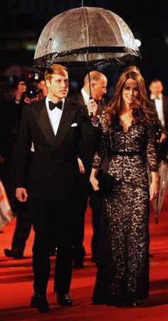William & Kate/****Again with the umbrella....!