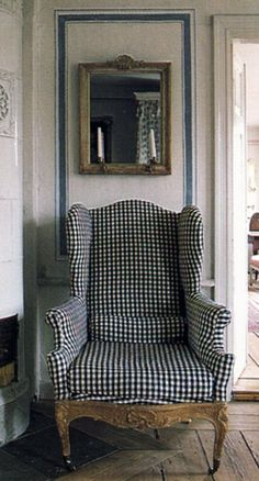 Gustavian Furniture & Decorating - Swedish Furniture found in Lars Sjoberg's house featured in Country Style by Judith and Martin Miller. Just love this chair Swedish Interiors, Vibeke Design, Interior Decorating, Interior Design, Wing Chair, Take A Seat, Find Furniture, Country Decor, Country Style