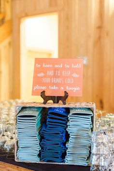 Wedding favor ideas + inspiration to help you ditch the favors guests will toss and give them something unique that they'll want to keep! Cute favor ideas, sustainable wedding favors, food favors, DIY wedding favors and other favors that guests will love! Wedding Reception Party Favors, Summer Wedding Favors, Wedding Reception Favors, Honey Wedding Favors, Inexpensive Wedding Favors, Elegant Wedding Favors, Wedding Koozies, Edible Wedding Favors, Wedding Gifts For Guests