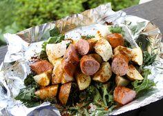 "Secondhand Sundays: A Hobo Dinner on Our ""Fire Pit"" turkey kielbasa kale onion potatoes Hobo Dinners, Healthy Dinner Recipes, Drink Recipes, Yummy Recipes, Love Food, Cajun Sausage, Kielbasa Sausage, Sausage Potatoes, Main Dishes"