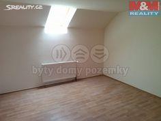 Byt 1+kk 12 m² k pronájmu Plzeňská, Jesenice; 4700 Kč za měsíc (+2x kauce (8000)), parkovací místo, cihlová stavba, osobní vlastnictví, po rekonstrukci.
