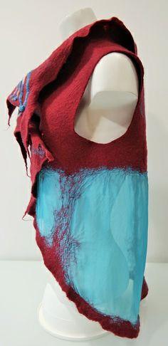 Colete em lã Merino e seda. Vest in merino wool and silk. Flora Silva http://ideiasdaflora.blogspot.pt ideiasdaflora@gmail.com Portugal