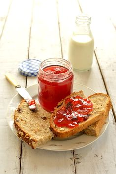 Amazing plum and amaretto jam - Domestic Gothess