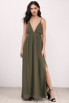 The Imagine This Maxi Dress features a plunging neckline with an open back with thin straps for a feminine touch. Perfect for a special night out.