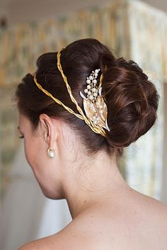 Greek goddess crown: This is the first wedding hairstyle that I've really liked for myself.