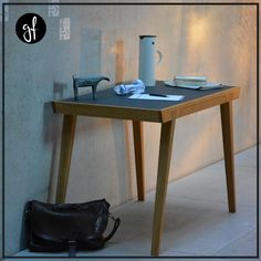Ein organisierter Ästhet! 🗂📝 Ganz gleich ob ihr ihn als Schreibtisch oder stilvolle Ablagefläche für Papierkram und Schreibutensilien benutzt. Der JAN KURTZ DESK beeindruckt uns immer wieder mit Eleganz und klar strukturierter Formgebung. Deshalb können wir auf alle Fälle sagen: So lässt es sich arbeiten! Linolium, Oak Desk, Drafting Desk, Home Office, Jan Kurtz, Table, Furniture, Home Decor, Modern Desk
