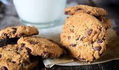 Τραγανά cookies με κομμάτια σοκολάτας