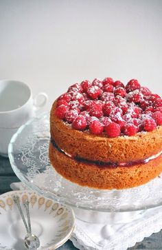 Victoria sponge cake Afternoon Tea Recipes, Victoria Sponge Cake, Biscuits, Breakfast Cake, Tea Cakes, Biscuit Recipe, Macaron, Love Cake, Sweet Cakes