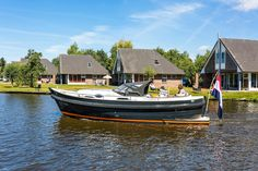 Makma introduceert de nieuwe Makma Caribbean 31 MK3 Power Boats, Catamaran, Summer Time, Caribbean, Sailing, Dutch, Ships, Design, Candle