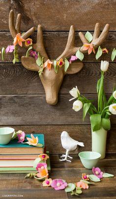#feltflowers #feltcraft #diycraft www.LiaGriffith.com: