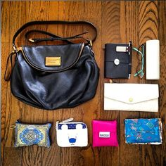 No photo description available. What In My Bag, What's In Your Bag, My Bags, Purses And Bags, What's In My Purse, Purse Organization, Louis Vuitton Handbags, You Bag, Pouch