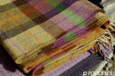 Prehoz z jahňacej vlny – viacfarebný | PODDEKOU Wool Blanket, Plaid Scarf, Blankets, Luxury, Fashion, Fleece Blanket Edging, Moda, Fashion Styles, Blanket