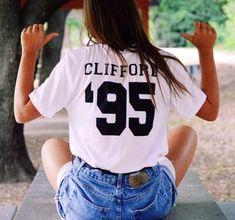 5sos Outfits, T Shirt, How To Wear, Clothes, Tops, Women, Accessories, Fashion, Supreme T Shirt