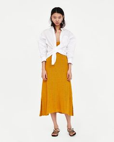 Wrinkled-Effect Poplin Shirt // USD // Zara // Loose-fitting shirt with collar and long sleeves. Button-up fastening in the front. HEIGHT OF MODEL: 178 CM / Moda Zara, Zara Fashion, Fashion 2017, Draped Skirt, Lace Skirt, White Shirt Black Jeans, How To Roll Sleeves, Zara Women, Collar Shirts
