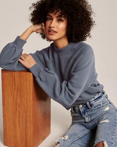 Long-sleeve sweatshirt in our softAF fabric with mini mockneck, puff sleeves and straight hem. Caitlin Moran, Mock Neck, Hoodies, Women's Sweatshirts, Turtle Neck, Chic, My Style, Mini, Long Sleeve