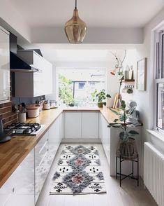 Galley Kitchen Design, Small Galley Kitchens, Small Space Kitchen, Kitchen Room Design, Modern Kitchen Design, Kitchen Layout, Home Decor Kitchen, Interior Design Kitchen, New Kitchen