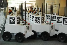 Collaborative Algorithm Lets Autonomous Robots Team Up And Learn From Each Other | Popular Science