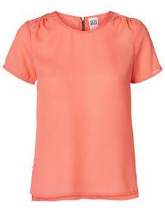 Cute VERO MODA LIKU S/S TOP! #veromoda #tee #pink #fashion @Veronica MODA