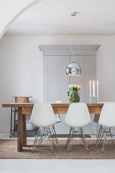 minimal but warm Interior Room Decoration, Rooms Home Decor, Interior Decorating, Simply Home, Dream House Interior, Scandinavian Interior Design, Kitchen Interior, Home Fashion, Dining Room