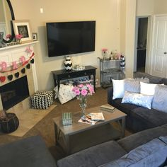 Home sweet home Living room decor
