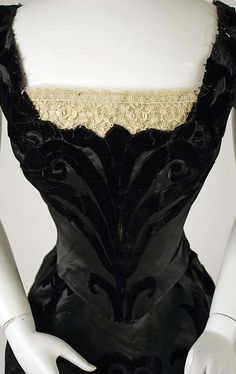 Evening dress, House of Worth  (French, 1858–1956). Date: 1898–1900. From the Met.