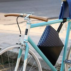 Handmade bikes&accessories for who believes in Italian design, to create a personal style and seeks originality and elegance. See our new CLUTCH BAG!