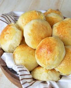 Discover recipes, home ideas, style inspiration and other ideas to try. My Favorite Food, Favorite Recipes, Salty Foods, Pan Dulce, Pan Bread, Dinner Rolls, I Foods, Food And Drink, Cooking Recipes