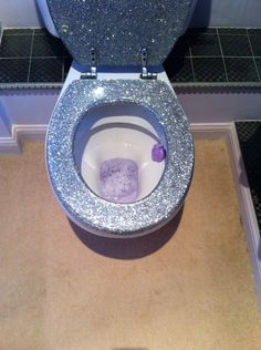 Glitter toilet seat Bling Bathroom, Paris Bathroom, Laundry Room Bathroom, Bathroom Toilets, Glitter Furniture, Glass Furniture, Furniture Styles, Glitter Toilet Seat, Bathroom Organization